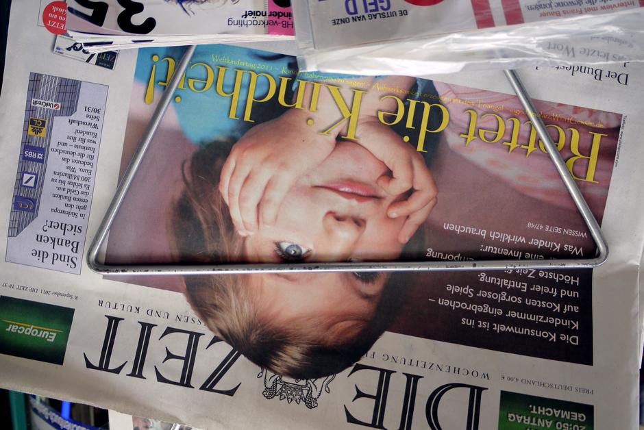 01_Weltkindertag 2011_Kinder haben was zu sagen_Aufmerksamkeit erzeugen mit dem Triangel_20110908