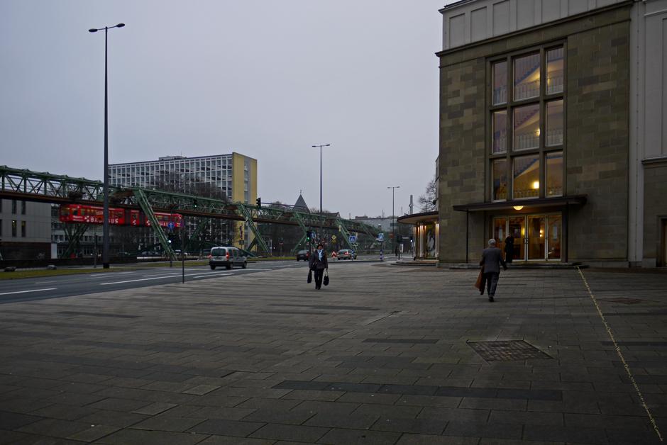 wuppertal bietet mehr als die schwebebahn_das Opernhaus der Wuppertaler Bühnen_20120229 18-18