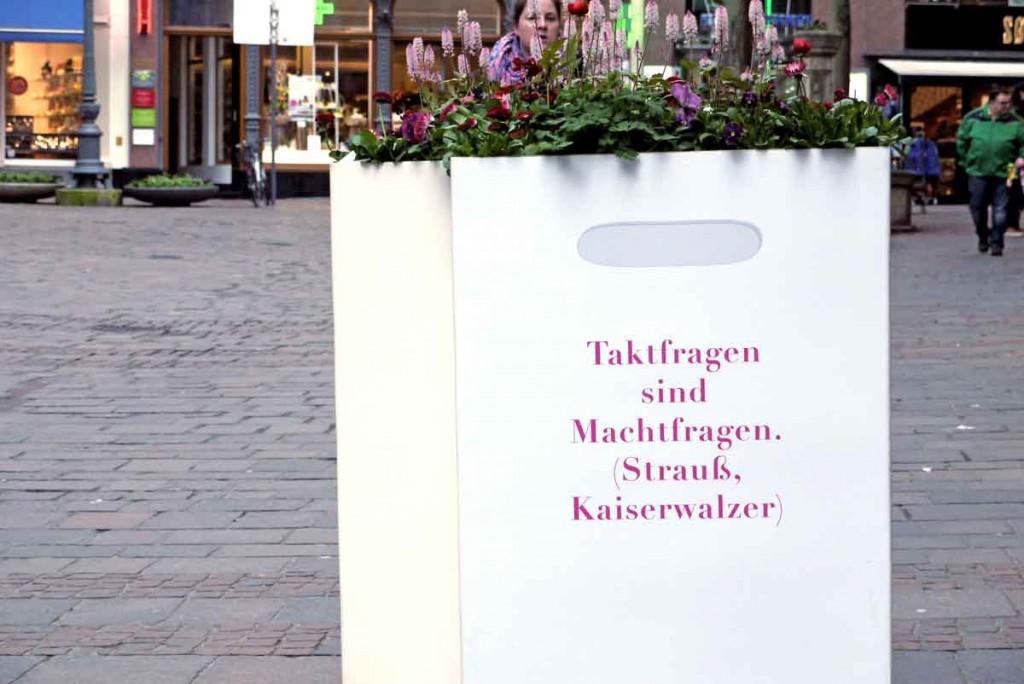POESIE-TASCHE Baden-Baden_Strauß - Kaiserwalzer_Taktfragen sind Machtfragen_1390934