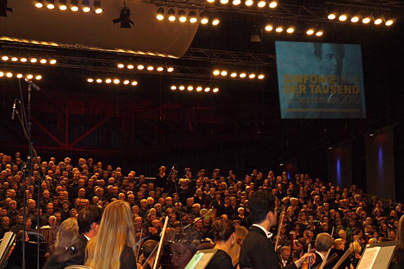 sinfonie-der-tausend_mahler_duisburg-ruhr2010_20100912