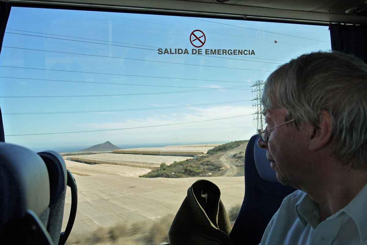 mit-dem-Bus-vom-Flughafen-Teneriffa-Süd-Santa Cruz_zum-Hotel-Semiramis-in-Puerto de la Cruz