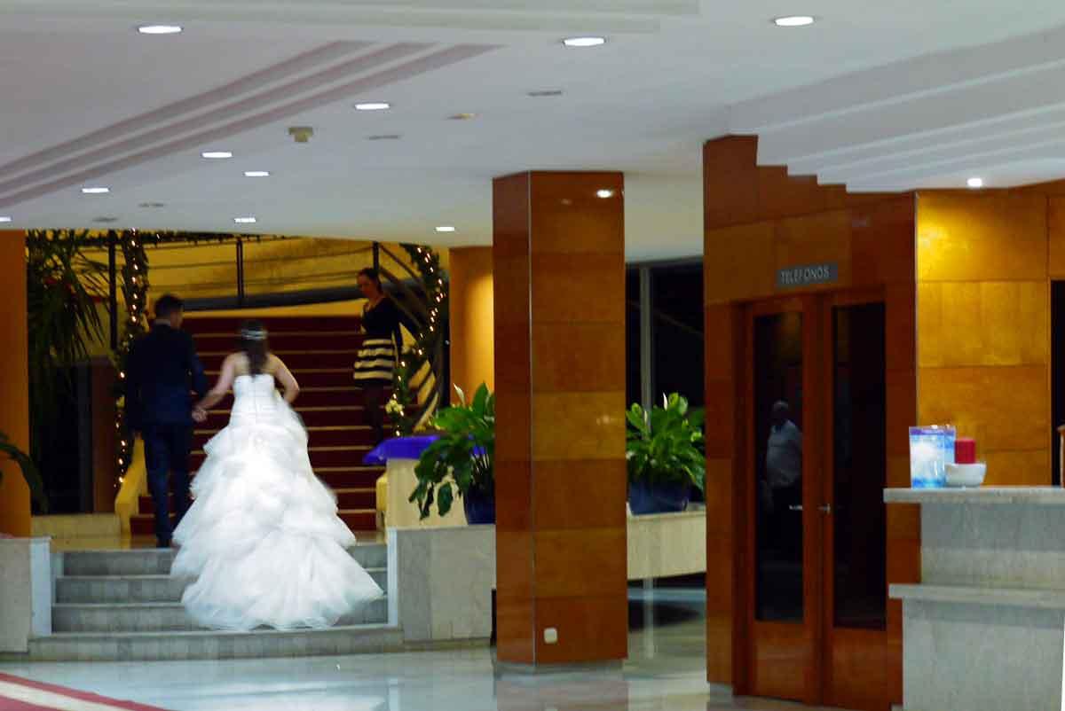 Hochzeitsfeier im siebzehnten Stock