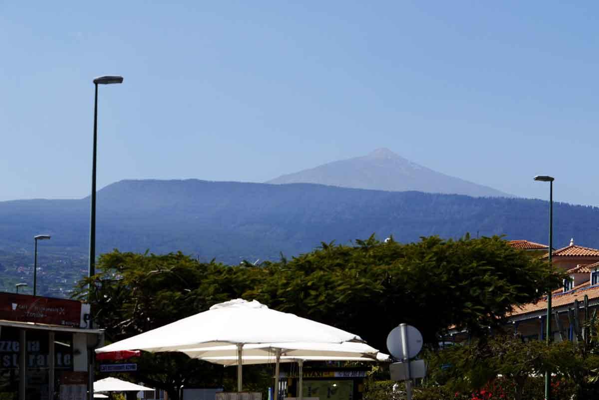 Tetra-Spiegelung an der Puerto de la Cruz-Küste - EL TEIDE