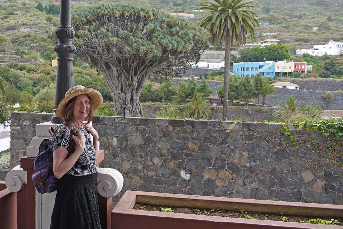 ich 68 am Drachenbaum 400 J - oder Liliengewächs - Agavenart_Icod de los Vinos